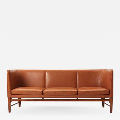 Arne Jacobsen Even Arm Sofa
