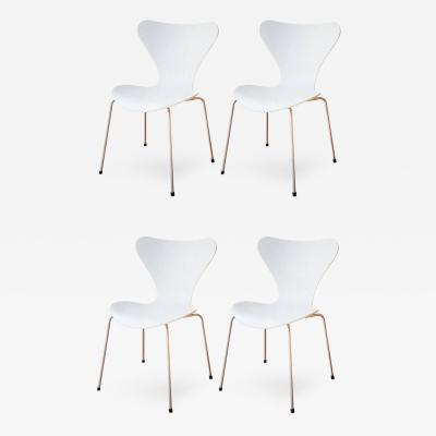 Arne Jacobsen Four Arne Jacobsen Series 7 Chairs