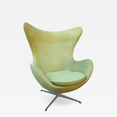 Arne Jacobsen Midcentury Suede Arne Jacobsen Egg Chair for Fritz Hansen