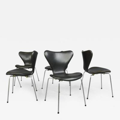 Arne Jacobsen Model 3107 Leather Chairs By Arne Jacobsen For Fritz Hansen Circa 1960s