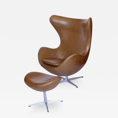 Arne Jacobsen Original Tan Leather Egg Chair And Ottoman by Arne Jacobsen