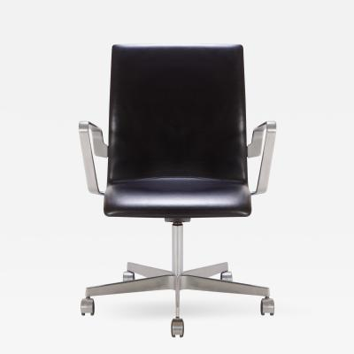 Arne Jacobsen Oxford Classic Low Back Chair in Leather by Arne Jacobsen for Fritz Hansen