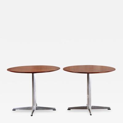 Arne Jacobsen PAIR OF ARNE JACOBSEN AND FRITZ HANSEN SIDE TABLES