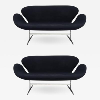 Arne Jacobsen Pair Arne Jacobsen Swan Sofa for Fritz Hansen