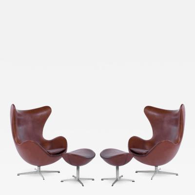 Arne Jacobsen Pair of Arne Jacobsen for Fritz Hansen Egg Chairs Denmark 1965