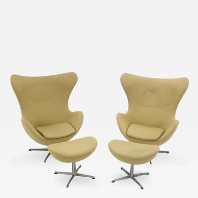 Arne Jacobsen Pair of Danish Modern Egg Chairs Ottomans Designed by Arne Jacobsen