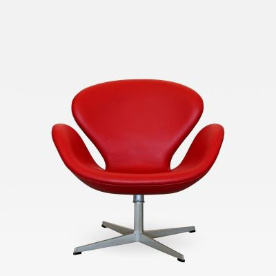 Arne Jacobsen Red Leather Swan Chair by Arne Jacobsen