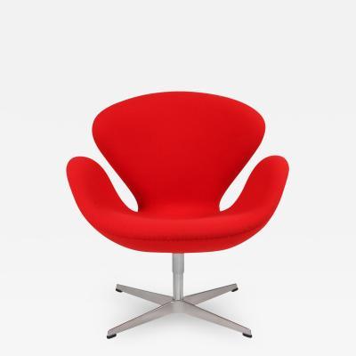Arne Jacobsen Red swan chair by Arne Jacobsen for Fritz Hansen 1950s