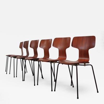 Arne Jacobsen Set of Six Arne Jacobsen for Fritz Hansen Teak Stacking Chairs 3103