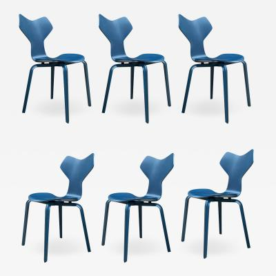 Arne Jacobsen Set of Six Mid Century Danish Modern Arne Jacobsen Grand Prix Dining Chairs Set