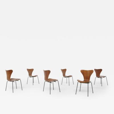 Arne Jacobsen Set of six chair by Arne Jacobsen M Butterfly for the Brazilian airline 1950s