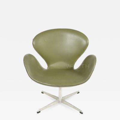 Arne Jacobsen Swan Chair by Arne Jacobsen