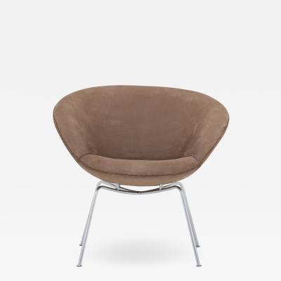 Arne Jacobsen The Pot in Royal Nubuck