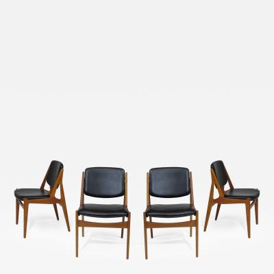 Arne Vodder 4 Arne Vodder Tilt Back Dining Chairs in Teak