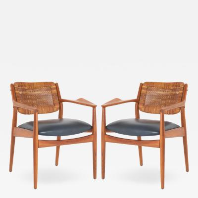 Arne Vodder Arne Vodder Model 51A Armchairs in Beech Leather for Sibast Pair