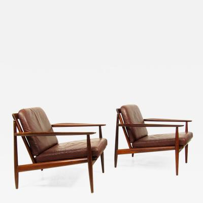 Arne Vodder Two Danish Lounge Chairs in Mahogany Leather by Arne Vodder