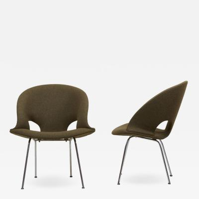 Arno Votteler Newly Upholstered Pair of Model 350 Lounge Chairs by Arno Votteler Walter Knoll