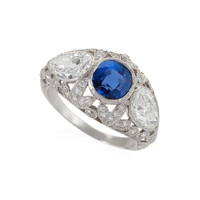 Art Deco Platinum Ring with Sapphire and Diamonds