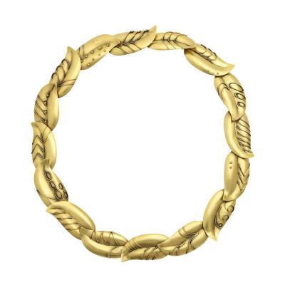 Artisan leaf form choker in Gold