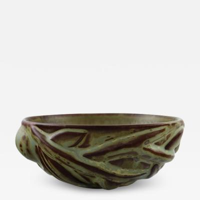 Axel Salto Stoneware bowl modeled in organic shape decorated with glaze in earth tones