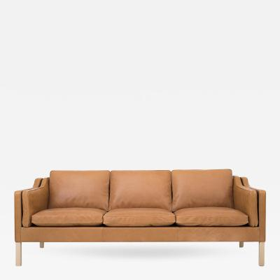 B rge Mogensen BM 2213 Sofa in Walnut Elegance Leather