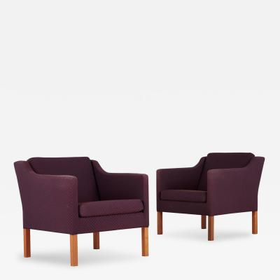 B rge Mogensen Pair of Model 2521 Armchairs by B rge Mogensen for Fredericia Stolefabrik