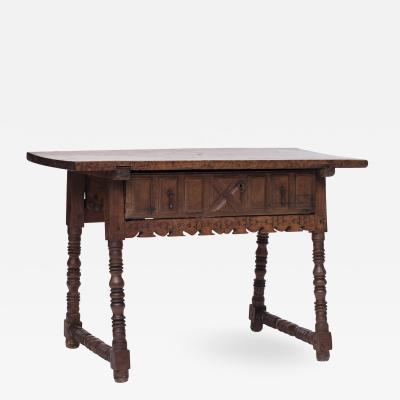 Barok table walnut