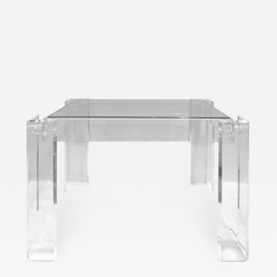Beautifully Crafted Side Table In Lucite and Glass 1970s