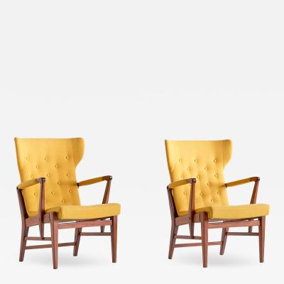 Bertil S derberg Pair of Bertil S derberg Armchairs in Mahogany for Nordiska Kompaniet 1940s