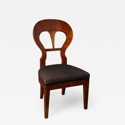 Bidermeier walnut side chair South German Babaria ca 1815