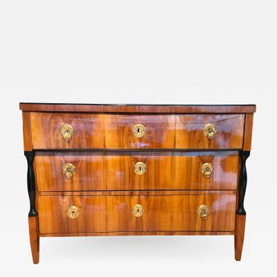 Biedermeier Commode Cherry Veneer Austria circa 1820