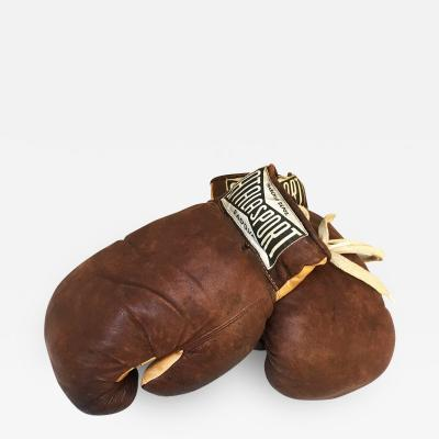 Brown boxing gloves by Atala Sport Padova 1970s