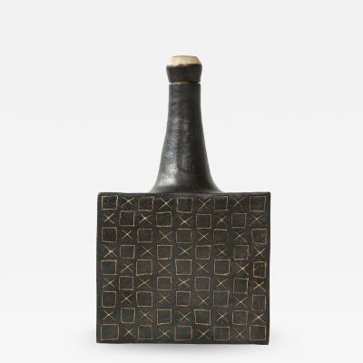 Bruno Gambone Black square ceramic vessel with stopper and contrasting etched design