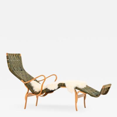 Bruno Mathsson Lounge Chair Model Pernilla 3 T 108 Produced by Karl Mathsson