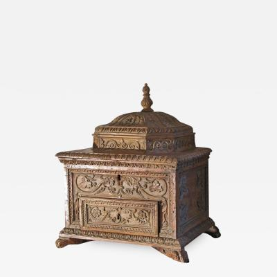 Carved Early 18th Century Baroque Italian Dome Top Box