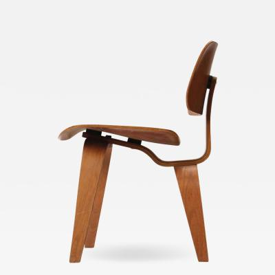 Charles Eames DCW DINING CHAIR