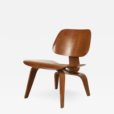 Charles Eames Rare Mid Century Modern Walnut Chair by Charles Eames for Evans Products