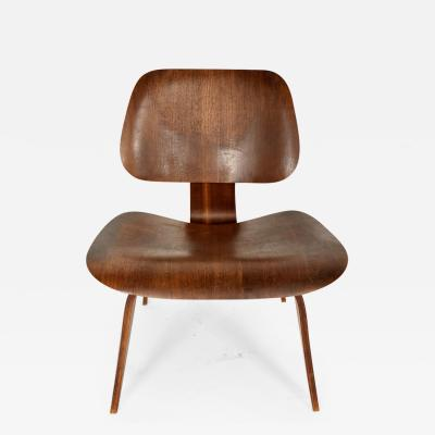 Charles Eames Single Lounge Chair by Charles Eames