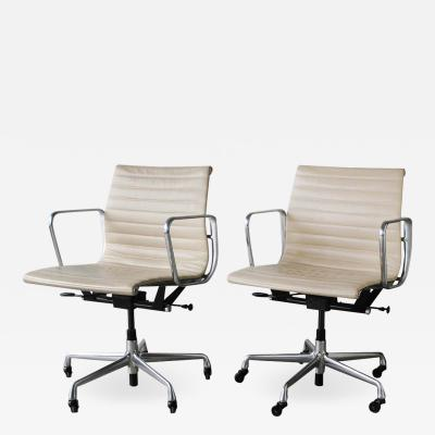 Charles Ray Eames Eames Chairs for Herman Miller Aluminum Group Management Series 12 Available