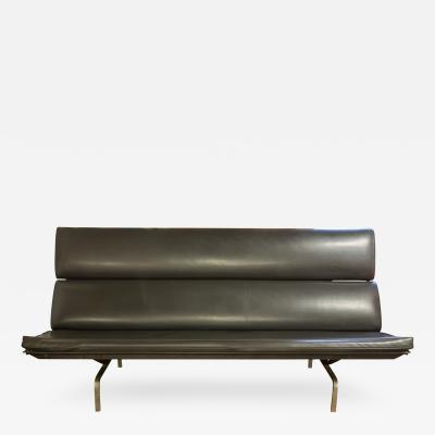 Charles Ray Eames Eames Compact Sofa