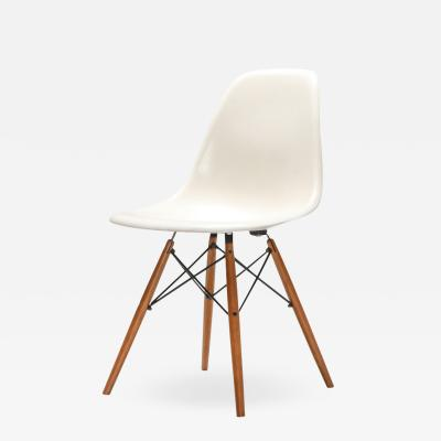 Charles Ray Eames Eames DSW Chair for Herman Miller 1960s