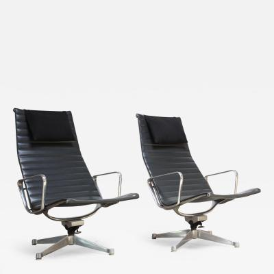 Charles Ray Eames Pair of Early Eames Aluminum Group Chairs for Herman Miller