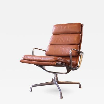 Charles Ray Eames Vintage Herman Miller Eames Aluminium Group Soft Pad Lounge Chair