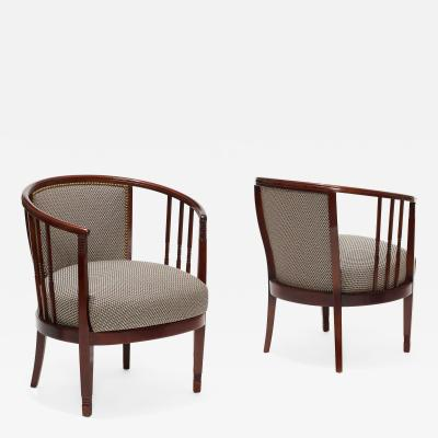 Charles Rennie Mackintosh Extraordinary Pair of Swedish Arts and Crafts chairs in beech