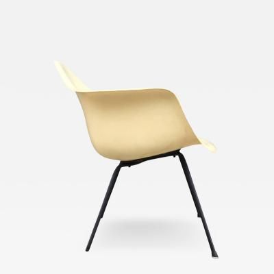 Charles and Ray Eames Eames Herman Miller Zenith X Base Fiberglass Armchair in Parchment