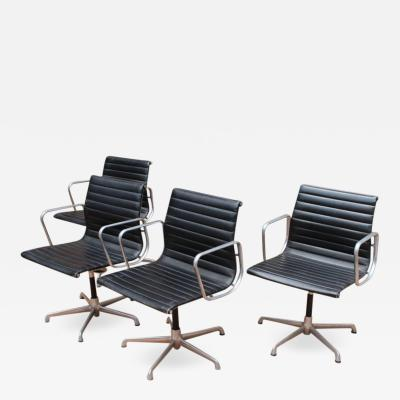 Charles and Richard Comyns Midcentury Eames Aluminium Group Management Chairs for Herman Miller