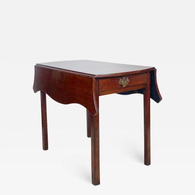 Circa 1780 Serpentine Pembroke Table England