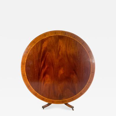 Circa 1950 Large Georgian Style Round Pedestal Table