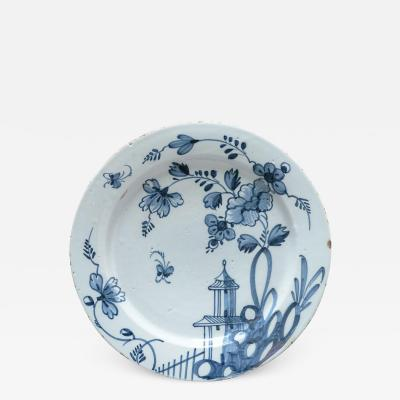 DELFT CHARGER DECORATED IN THE CHINESE TASTE