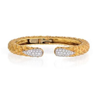 David Webb DAVID WEBB 18K YELLOW GOLD DIAMOND TIP TEXTURED BANGLE BRACELET
